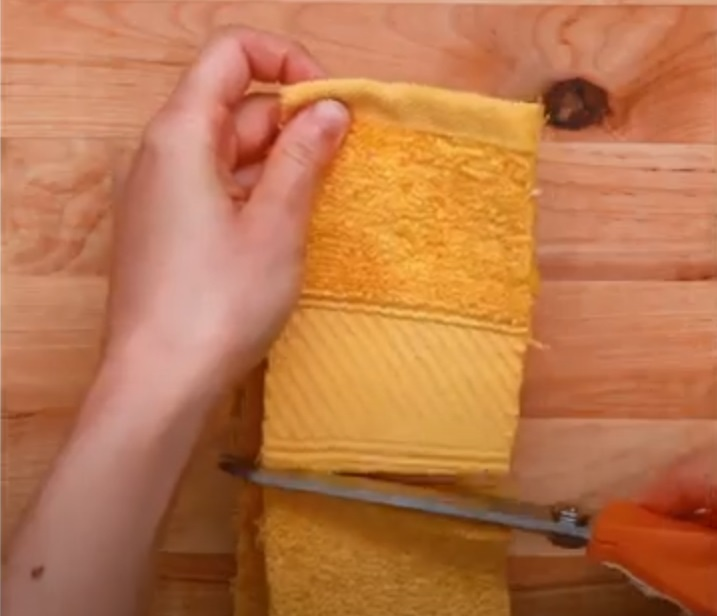 Cut, Old, Bath, Towel, Strips, creativity, tricks, genius, recycling,