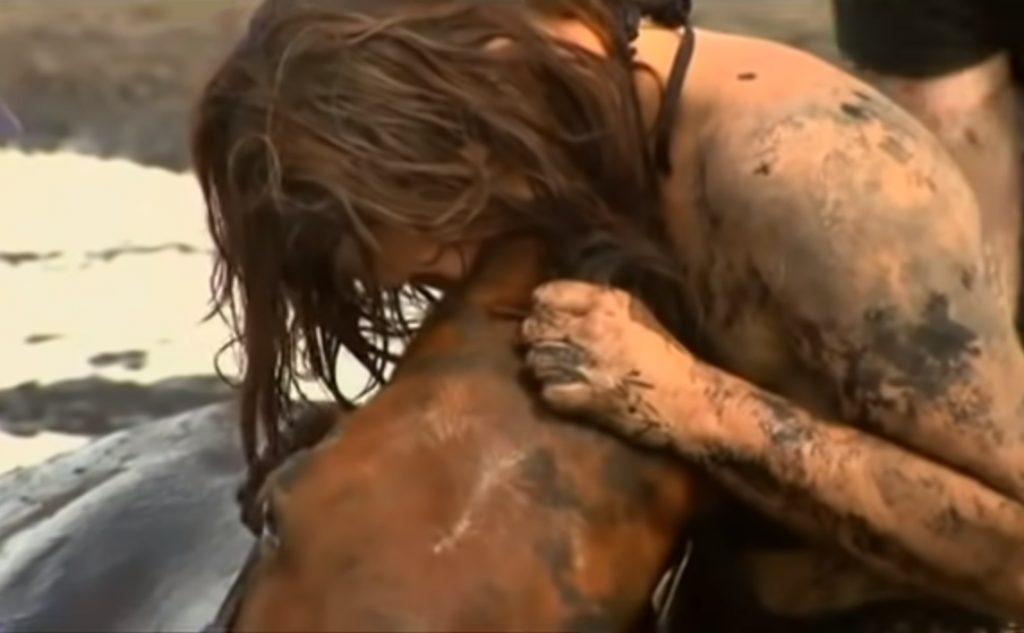 Chills, Story, Horse, Sad, Friends, true friends, love animals, Sink, Mud, inspiring,