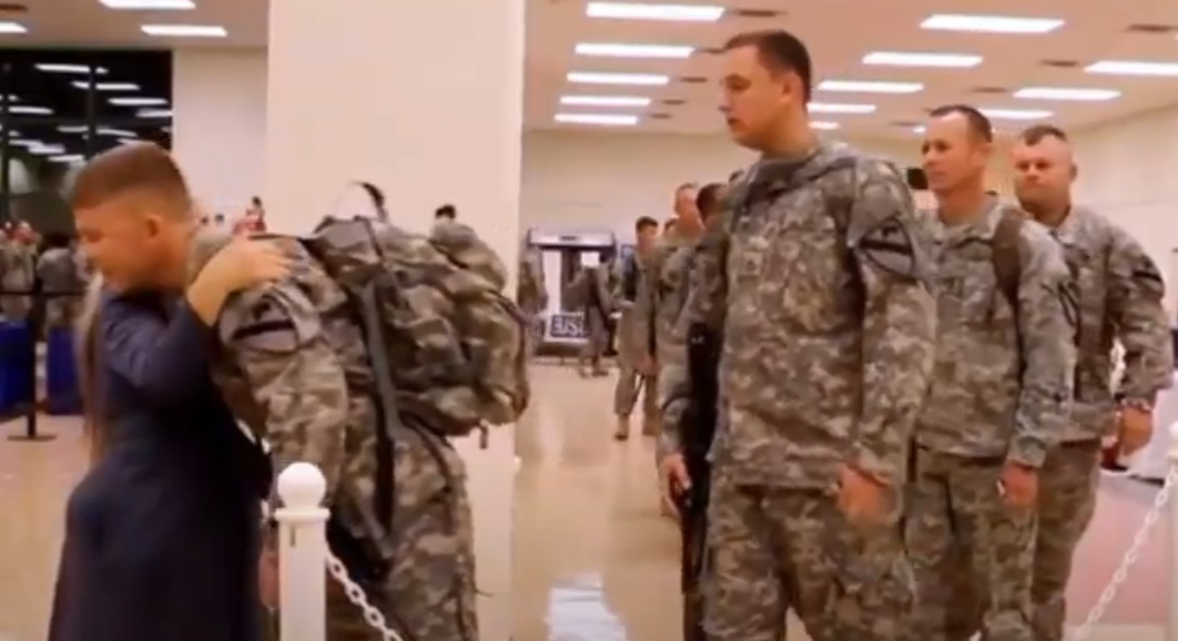 Soldiers, Line, Hours, Lady, Soldier, touching, Story, Trending, Inspiring,