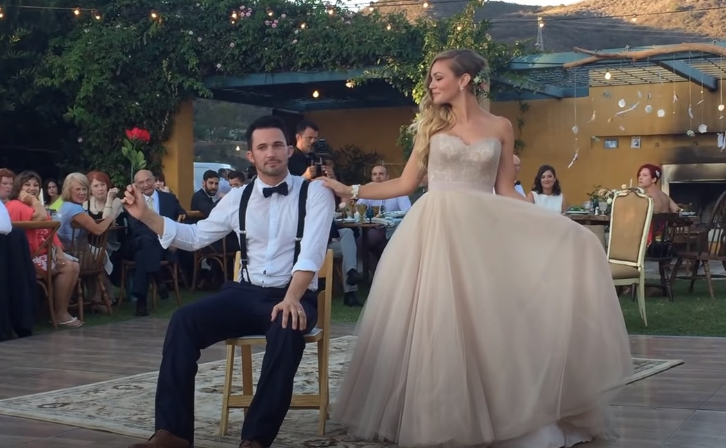justin willman, jillian sipkins, magic, magician, first dance, wedding, amazing, funny, best first dance ever, wedding video, spell on you, levitation,live show,wedding ceremony,viral video,viral,married,just married,magicien husband