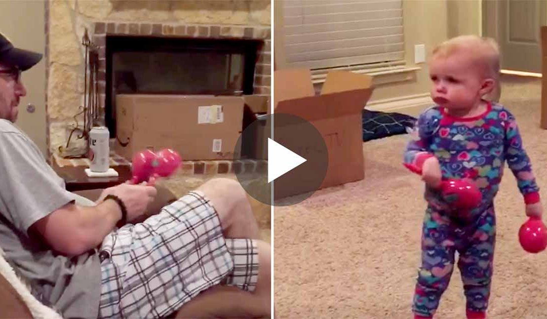 A kid doesn't want anyone to touch to her maracas, her reaction when dad trying that is So adorable!