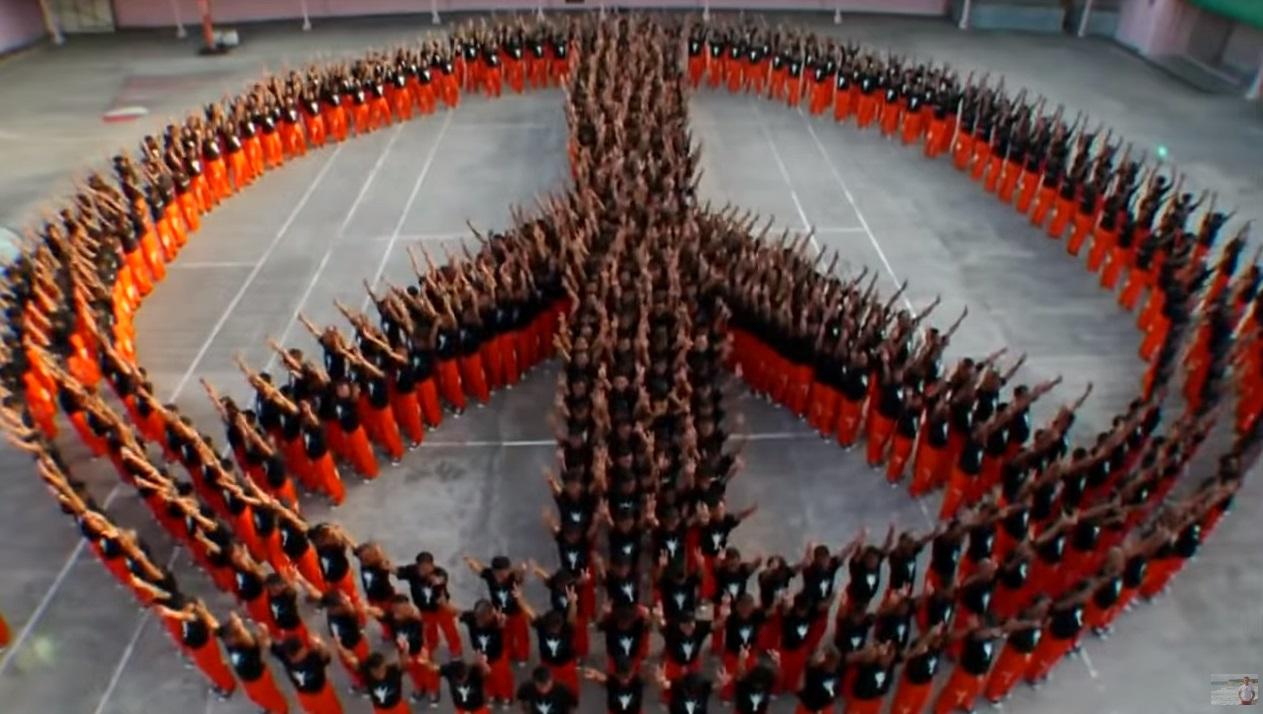 Michael Jackson, Michael, Jackson, prisoners, dance, dance, dance of prisoners, memory, reverence, Philippines, flash mob, dance in prison, prison, criminals, amazing, honoring, best dance, best show,