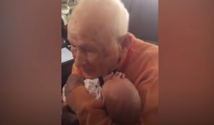 baby,new born,grandfather,grandsong,great-grandfather,great-grandson,touching video,touchingstorie,viral video,viral stuff,viral storie,best sories,most viewed stories