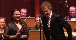 Performance, opera, Rainer Hersch, orchestra, conductor, voice, soprano, live,